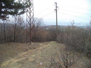 Маршрут Кочмар - Балам дере - изглед от гората над Жъладови хълмове