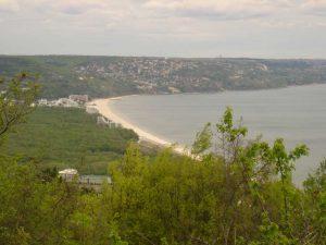 """Екопътека парк """"Златни пясъци"""" - изглед към к. к. Албена от гората над Кранево"""