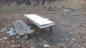 Място за пикник в гората над местност Сотира
