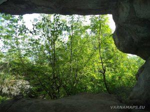 Мадарско плато - в малката пещера