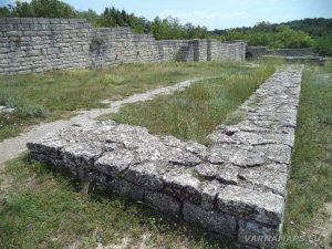 Мадарски конник - в Мадарската крепост