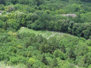 Мадарски конник - останки от християнска църква, поглед от панорамните стълби