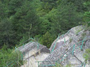 Мадарски конник - панорамни стълби към платото