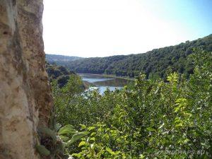 Сухата река - панорамна гледка от Оногурския скален манастир