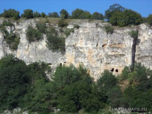 Сухата река - Оногурския скален манастир отдалеч