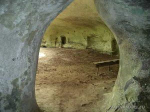 """Изглед от килията в скален манастир """"Кара пещера"""""""