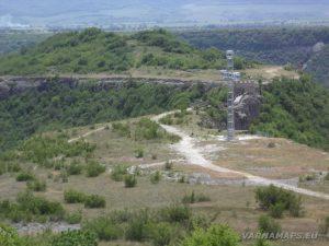 """Крепост """"Овеч"""" - изглед към моста от наблюдателната кула"""
