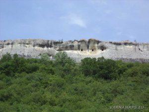 """Скални килии в близост до скален манастир """"Шашкъните"""""""