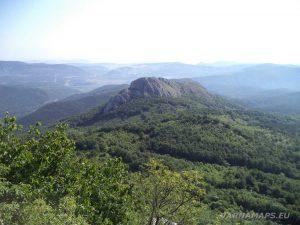 Връх Коджа Кая - изглед към връх Орта Кая