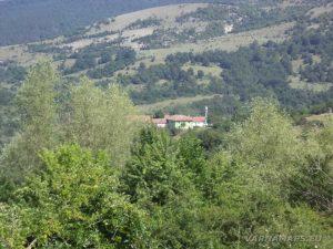 По маршрута до връх Коджа Кая - изглед към с. Билка