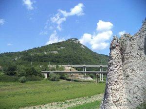 """Скален феномен Чудните скали - изглед към язовир """"Цонево"""""""