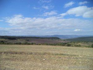 Изглед към Източна Стара планина по маршрута за Рояшките скали