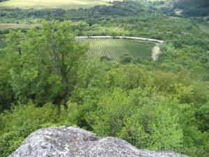 Местност Тъпаните - изглед от скалите