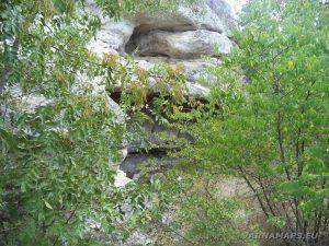 Местност Тъпаните - скална ниша