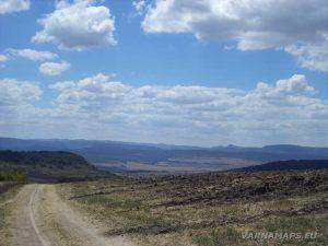 По маршрута за местност Тъпаните - панорамна гледка към връх Коджа Кая
