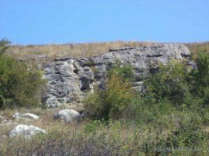 """Интересни скални образувания край скален манастир """"Монасите"""""""