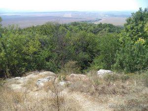 """Изглед от скалите над скален манастир """"Монасите"""""""