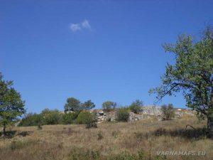 """Красиви скални образувания край скален манастир """"Монасите"""""""