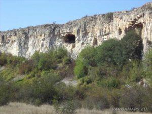 Скални ниши в каньона при Голямата канара