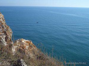 Панорамна гледка от скалите по маршрута нос Калиакра - залив Болата