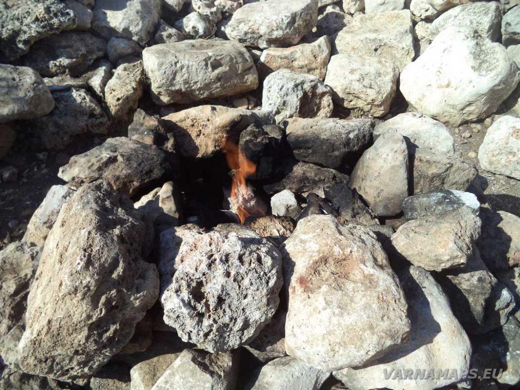 """Камен бряг - пламъкът на култовата забележителност """"Огънчето"""""""