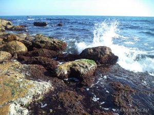 """Резерват """"Яйлата"""" - красиви пръски на разбиващите се вълни в скалите"""
