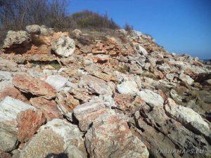 """Резерват """"Яйлата"""" - скалният пейзаж на самия бряг"""