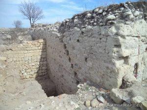 Петрич кале - останки от крепостната стена