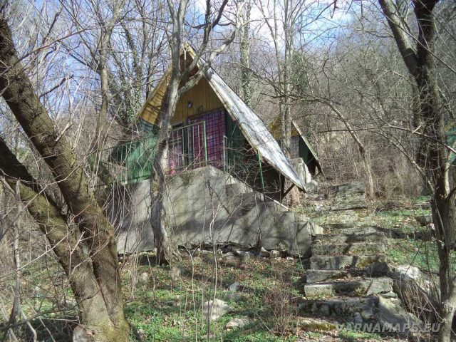 Петрич кале - стари бунгала край хижа Петрича