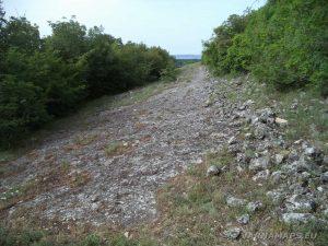 Скален манастир Свети Георги - скална пътека