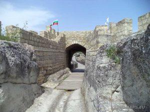 Крепост Овеч - крепостна порта