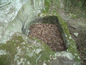 Кирека - Малка средновековна гробница