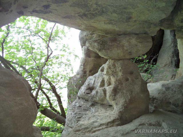 Мадарско плато - Кирека - Дядо-куртевата пещера отвътре