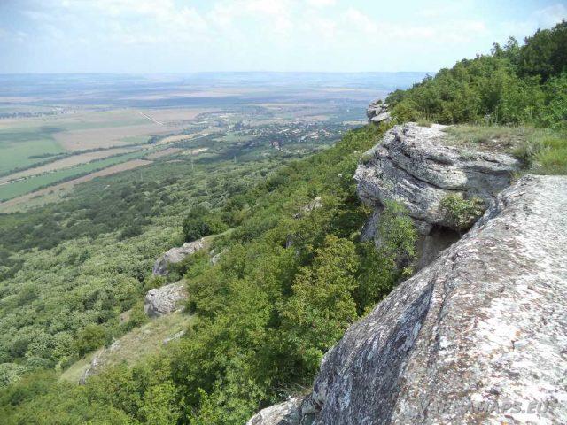 Мадарско плато - изглед към Калугерица