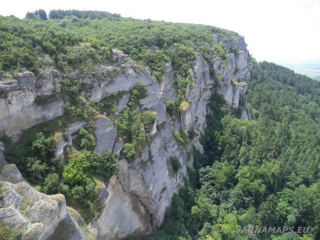 Мадарско плато - изглед от Мадарската крепост