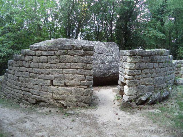 Мадарски конник - комплекс Капище