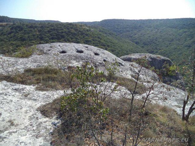 Край скален манастир Градище - скална тераса с панорама