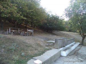 Петрич кале - място за пикник в началото на маршрута