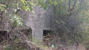 Стар военен бункер