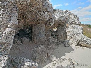 Малка пещера