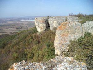 Красивите скални масиви в местност Бобата