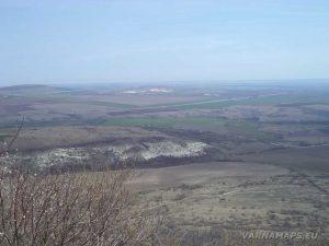 Венчанско кале - изглед от платото към равнината