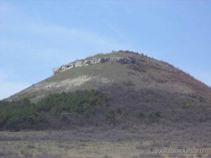 Венчанско кале - поглед към скалния венец от Венчан