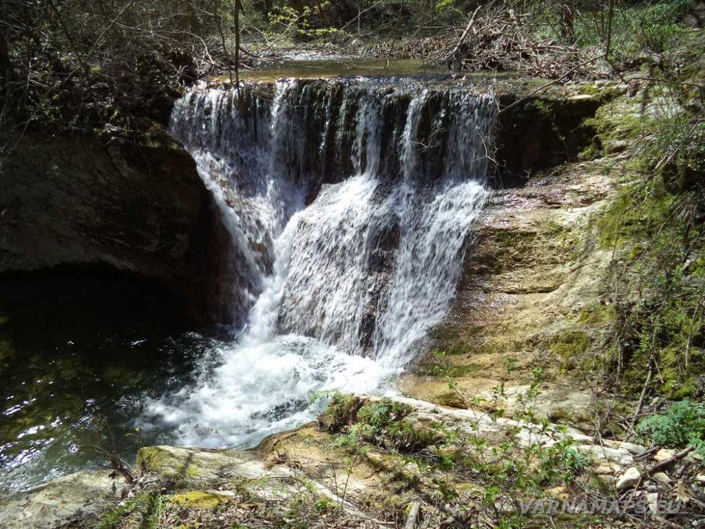 Водопад Орлов камък - общ изглед