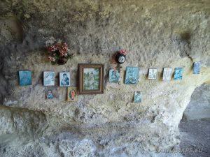 """Скален манастир """"Гюре Бахча"""" - иконите в килиите на манастира"""