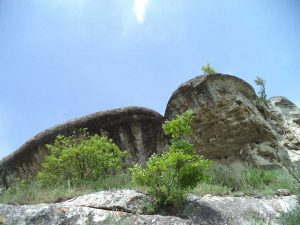 """Провадийското плато - интересна скална козирка на """"Саръ кая"""""""