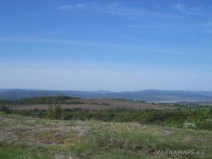 Местност Канарата - гледка към Стара планина край с. Чайка
