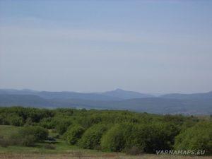 Местност Канарата - изглед към Стара планина и връх Коджа Кая