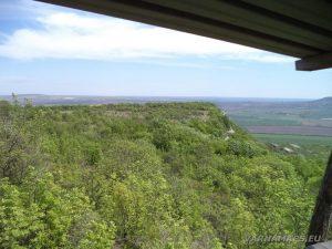 """Скален манастир """"Чукара"""" - изглед от наблюдателната кула по пътя за манастира"""