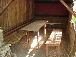 Екопътека Аладжа - Кранево - заслон Бежаната отвътре